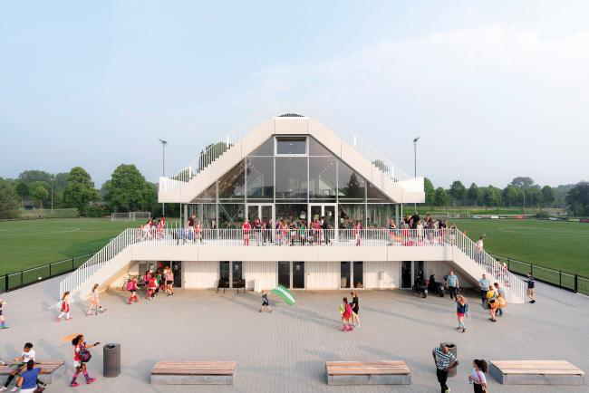Varkenoord ClubHouse in Rotterdam by NL Architects
