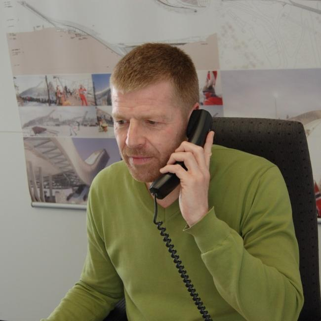 Klaus Meinel_Contacting the IAKS office